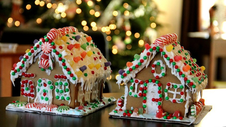 GingerbreadHouseWeekend_Feature